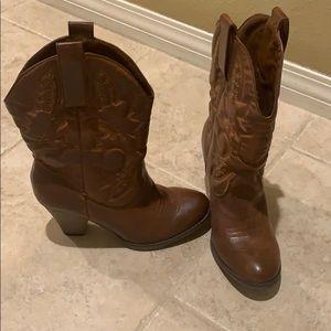 Cowgirl Boots (8) NIB